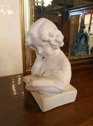 Bust Subject Child Reading Book in 33x24 cm plaster