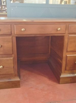 Desk in solid walnut sided classical style
